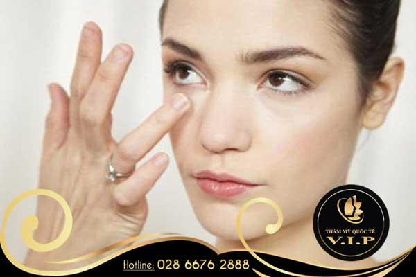 cách chữa bọng mắt và thâm quầng hiệu quả